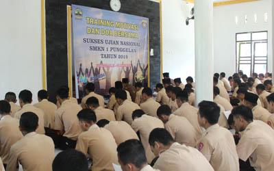 Kegiatan Training Motivasi Sukses UN Sebelum UN tahun 2019 SMKN 1 Punggelan